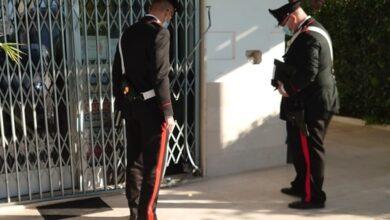 Photo of Brindisi, bomba alla stazione di servizio, due uomini ripresi dalle telecamere.